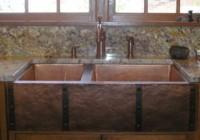 Copper sink with arpon & custom straps and clavos